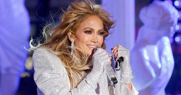 Дженнифер Лопес назвали самой привлекательной знаменитостью за 40.