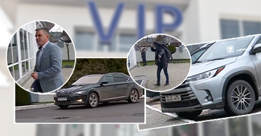 Красносельского и Казмалы засняли у VIP-входа в аэропорт Кишинева на пути в Москву. Коллаж: Point.md
