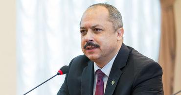 Министр образования, культуры и исследований Корнелиу Попoвич.