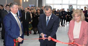 Премьер участвовал в открытии завода по производству светодиодных ламп.