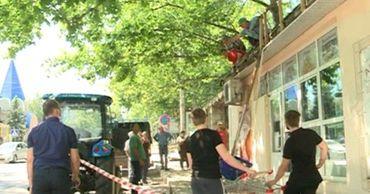 Владелец здания в центре Кишинева возмущен решением о его сносе.