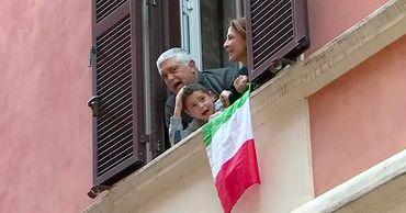 Наши в Италии: Там мы поняли - только сплотившись вместе можем спастись.
