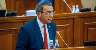 МИДЕИ попросит правительство уволить Головатюка с должности посла. Фото: Point.md.