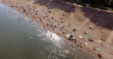 Пляж в Вадул-луй-Водэ переполнен отдыхающими.