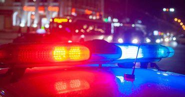 В столице водитель сбил двух пьяных пешеходов.