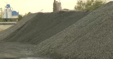 Уголь в этом году подешевел.