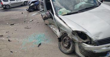 В серьезном ДТП в столице пострадала женщина.