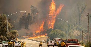 В Калифорнии из-за лесного пожара эвакуируют восемь тысяч человек.