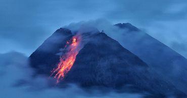 В Индонезии проснулся самый активный вулкан страны.