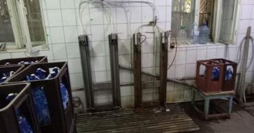 В Бельцах продавали воду, произведенную в антисанитарных условиях.
