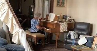 Жительница Бейрута, исполнившая на рояле балладу, растрогала Сеть.
