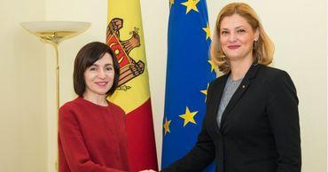 Официальные лица обсудили вопросы укрепления отношений между двумя странами.