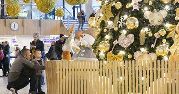 Международный аэропорт Кишинева украсили к зимним праздникам.
