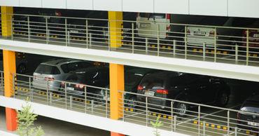 Примэрия обустроит парковку в гараже парламента.