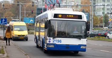 В Кишиневе прививку от COVID можно будет сделать в автобусе и троллейбусе.