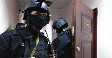 Обыск проходит в квартире оппозиционера Алексея Навального.
