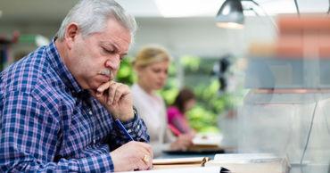Работающие пенсионеры уже могут затребовать перерасчет пенсий.