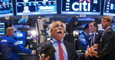 Только в четверг капитализация таких гигантов как Apple и Microsoft рухнула почти на 7%.