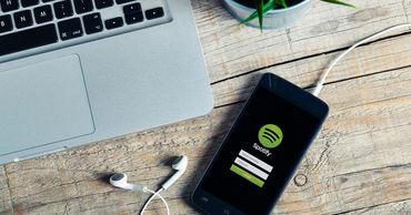 Spotify обвинила Apple в нечестной конкуренции.