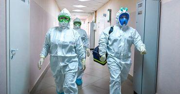 Компания жены госчиновника изготовит защитные костюмы для врачей.