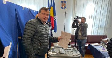 Андрей Нэстасе объявил, что проголосовал за президента всех румын.