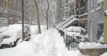 По прогнозам синоптиков, снег еще будет продолжаться несколько дней.