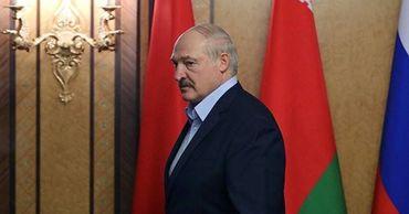 """Лукашенко поручил чиновникам """"зацепиться на рынках""""."""