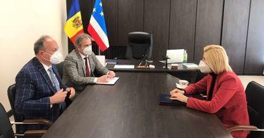 Башкан Гагаузии и посол Румынии обсудили вопросы сотрудничества.