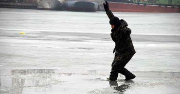 На Днестре рыбак провалился под лёд и утонул.