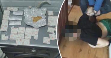 В Кишиневе задержали 3 подозреваемых в производстве и продаже наркотиков. Фото: Point.md.