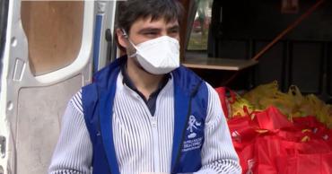 В Молдове волонтеры помогают пожилым людям с продуктами и лекарствами
