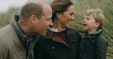 Принц Уильям и Кейт Миддлтон показали трогательное видео в честь 10-летия свадьбы.