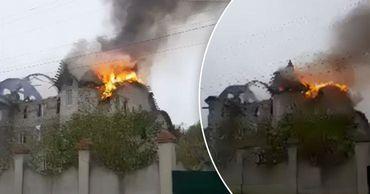 В Дрокии загорелась крыша недостроенного здания
