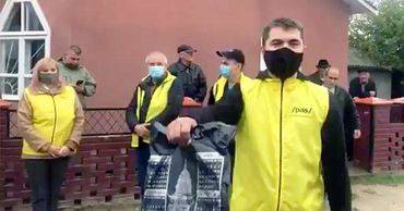 Представителей ПДС не пустили на встречу Додона с избирателями в Фалештском районе.