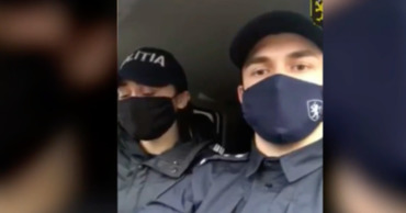 Полицейские поздравили граждан с Рождеством, исполнив колядку. Коллаж: Point.md