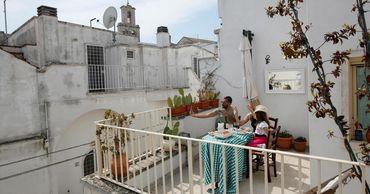 В Греции начинают работать карантинные гостиницы для иностранцев.
