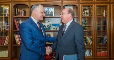 Президент Молдовы встретился с послом Российской Федерации Олегом Васнецовым.
