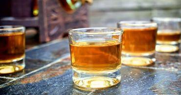 В России крепкий алкоголь хотят убрать из обычных магазинов.