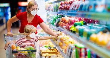 В Греции обязали носить маски в супермаркетах и ввели штрафы.