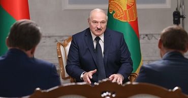 Лукашенко заявил, что на суверенитет Белоруссии покушались соседи.