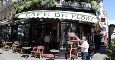 Во Франции открываются кафе: им позволят занимать дополнительную площадь под террасы.