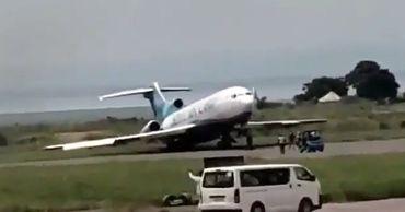 """Самолет """"сбежал"""" от экипажа в ходе эвакуации после экстренной посадки."""