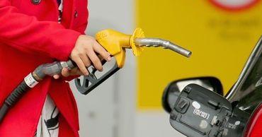 На украинских АЗС резко упали цены.