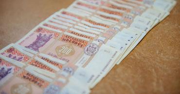 Чтобы оставаться в стране, молдаванам нужна зарплата более 13 тыс. леев.