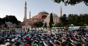 Турция ответила на критику Евросоюза по собору Святой Софии.