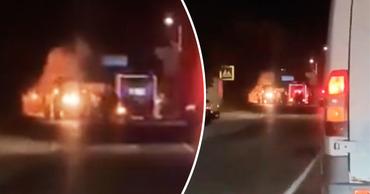 В Бельцах столкнулись автомобиль службы такси и трактор. Коллаж: Point.md
