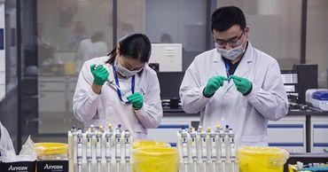В Китае умер еще один человек, заболевший новым типом коронавируса.