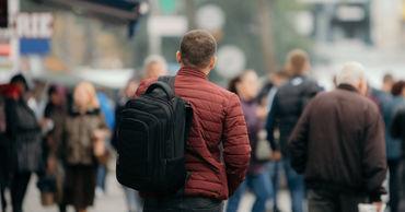 Все больше граждан Молдовы покидают страну.