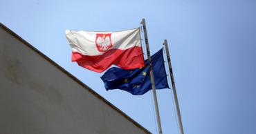 Польша высылает трех российских дипломатов.