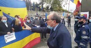 Посол Румынии сделал замечание унионистам, освиставшим Иона Кику.